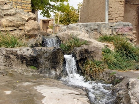 آبشار روستای توران پشت
