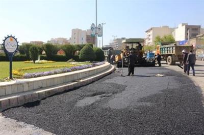 عملیات لكه گیری و آسفالت خیابانهای سطح شهر سنندج