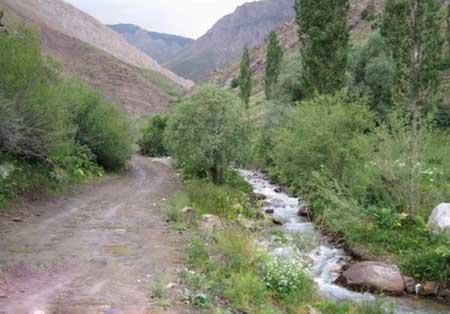 گذر از رودخانه در انتهای خ جانستان