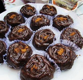 شیرینی سنتی اردبیل حلوای سیاه