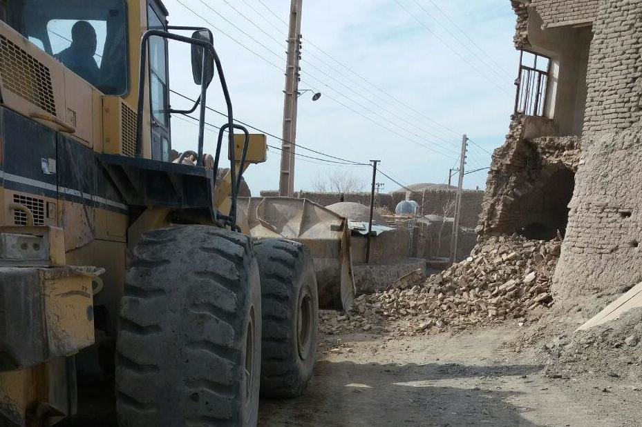 بخشی از بافت روستایی عباس آباد و فرومد میامی تخریب شد