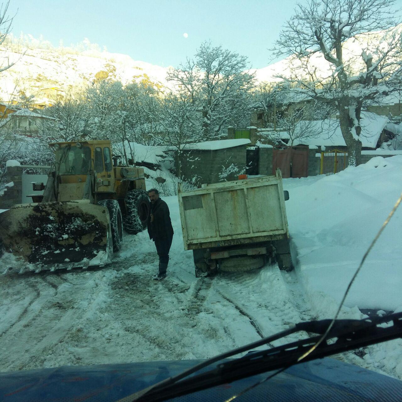 بازگشای جاده روستای نوسر لاریجان