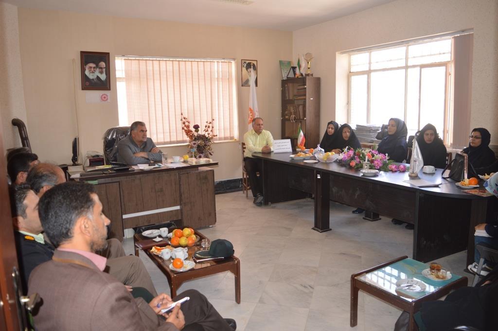 نشست کمیته حقوقی کودکان در محل اداره بهزیستی رشتخوار