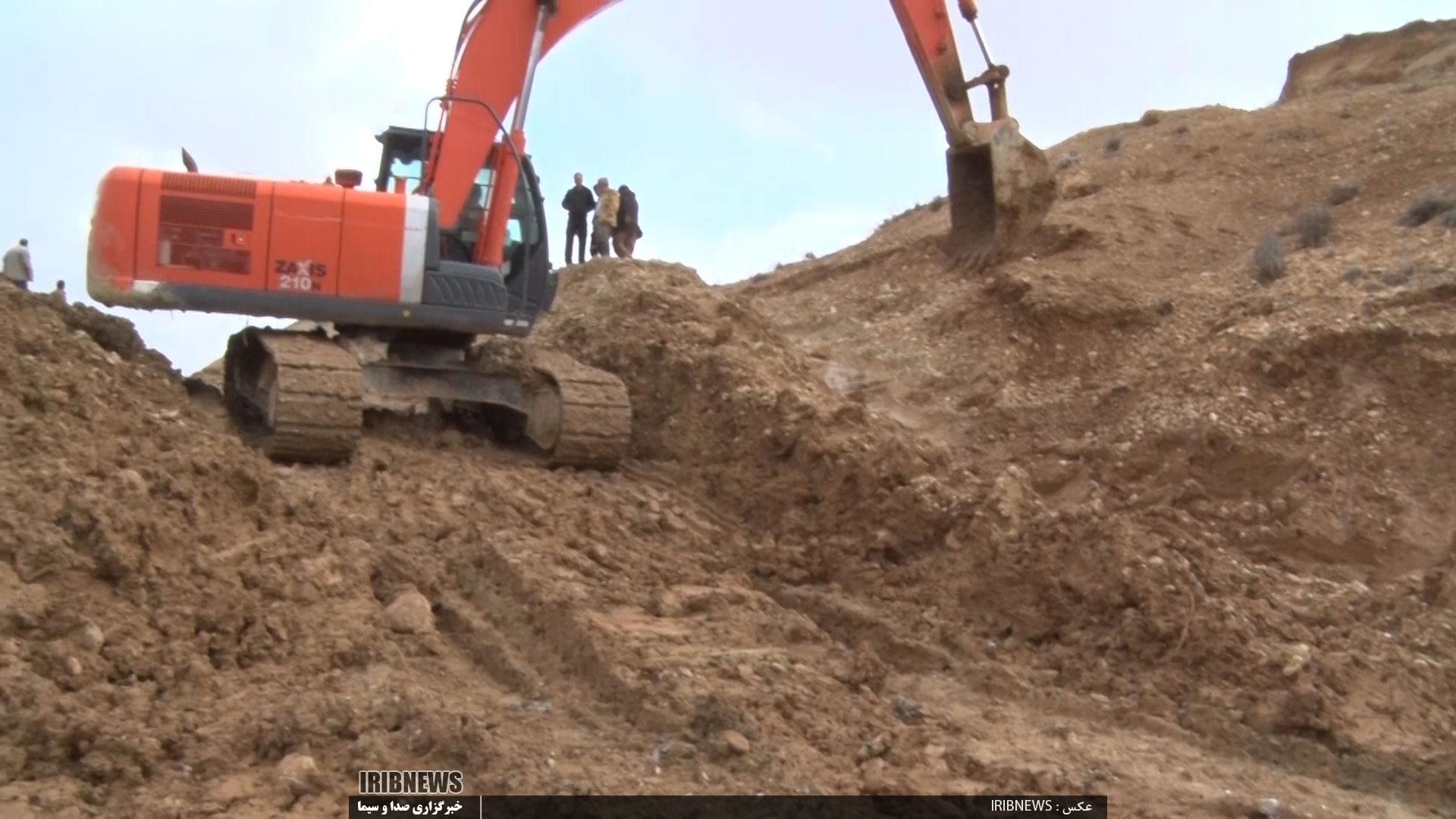 بازگشایی راه ارتباطی دو روستا در پادنای سمیرم