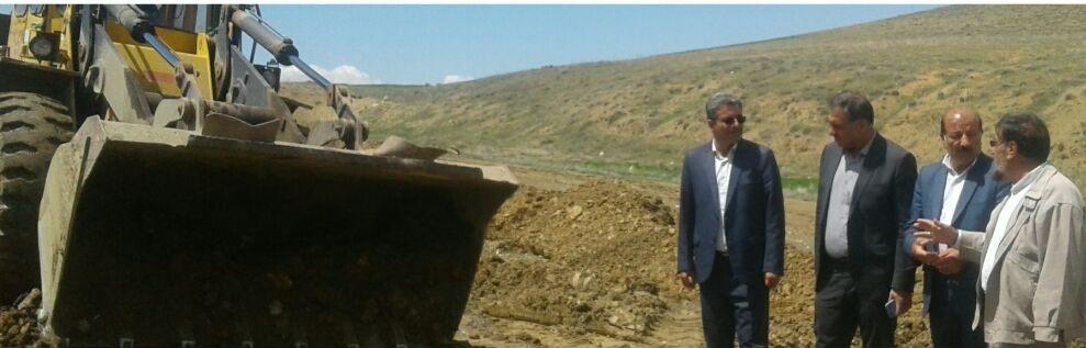 مهندس خسروانی از وضعیت راه های روستاهای صحنه بازدید کردند.