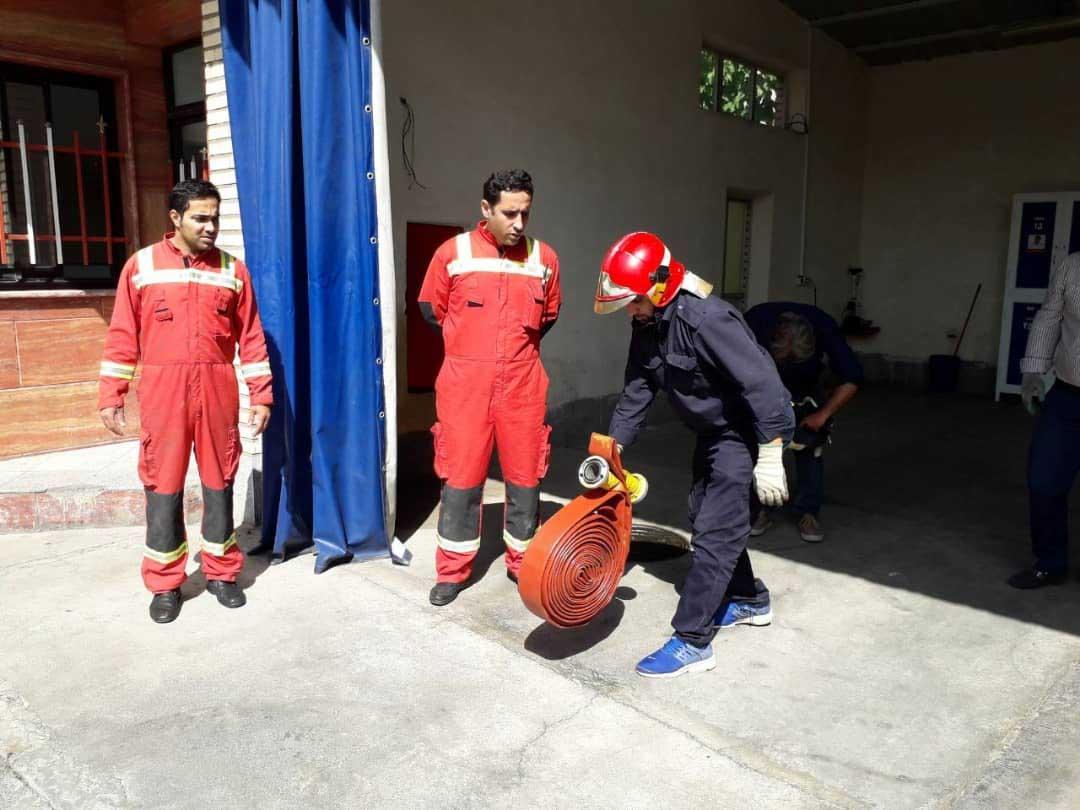 برگزاری کارگاه آموزش نکات ایمنی و آتش نشانی کارکنان دهیاری سولقان