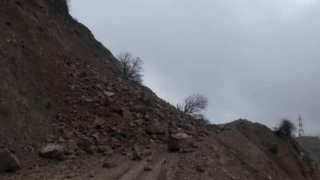 زمین لرزه مسیر چند روستای شهرستان ایذه را مسدود کرد!