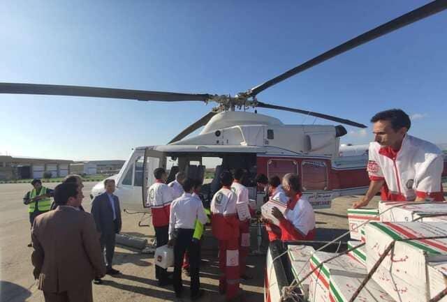 امداد هوایی هلال احمر به سیل زدگان شهرستان لامرد